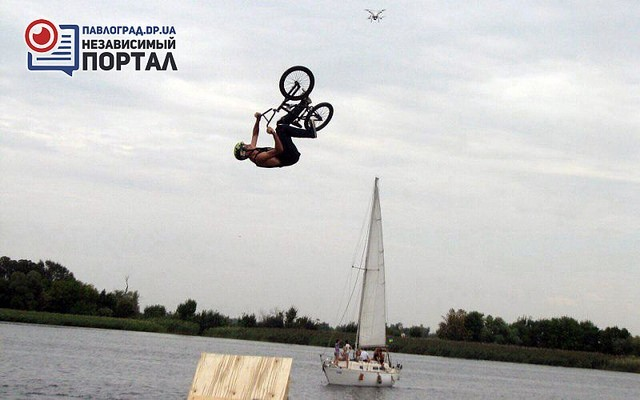 19-летний павлоградец занял I место по прыжкам в воду на ВМХ