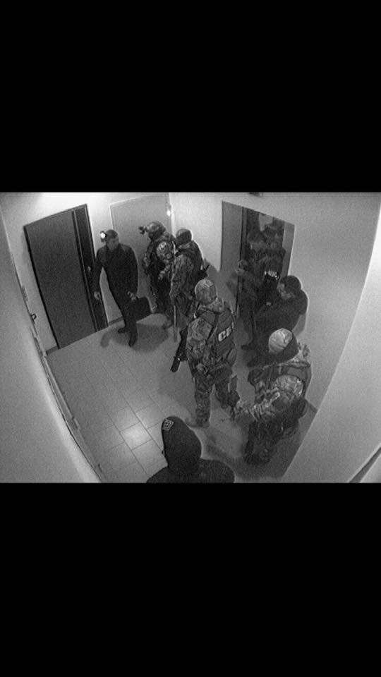 """""""Даже бронетранспортер подкатили"""": новые обыски у Корбана (фото)"""