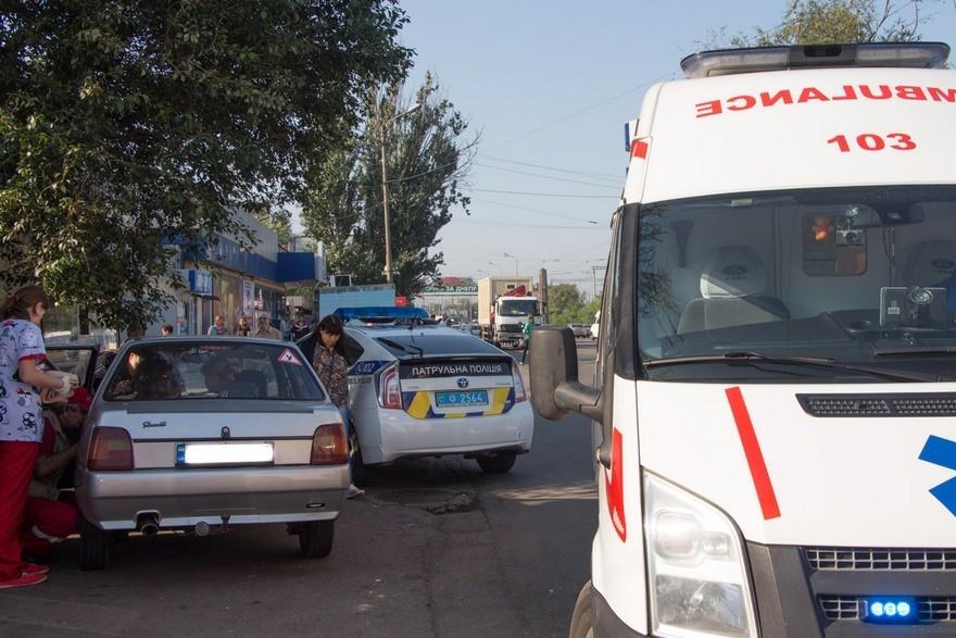 ДТП в Днепре: на пешеходном переходе возле школы сбили ребенка (фото)