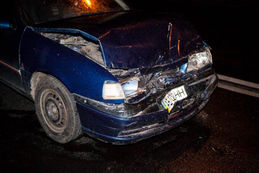 "Лобовое столкновение в Днепре: ""Toyota"" протаранил ""Opel"" (фото)"