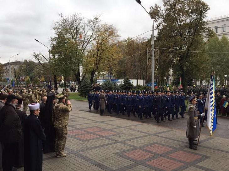 Марш военных и добровольцев в Днепре (фото)