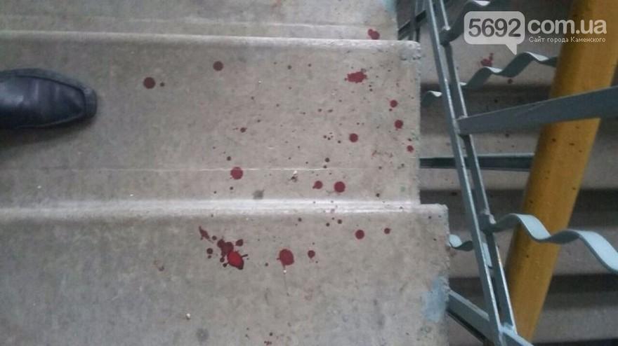 Мужчина до смерти избил ночующего в подъезде бомжа