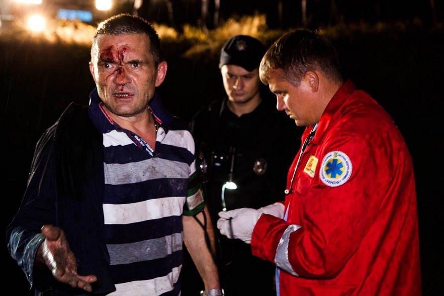 """Погоня за вооруженным водителем в Днепре: """"Toyota Prado"""" улетел в кювет (фото, видео)"""