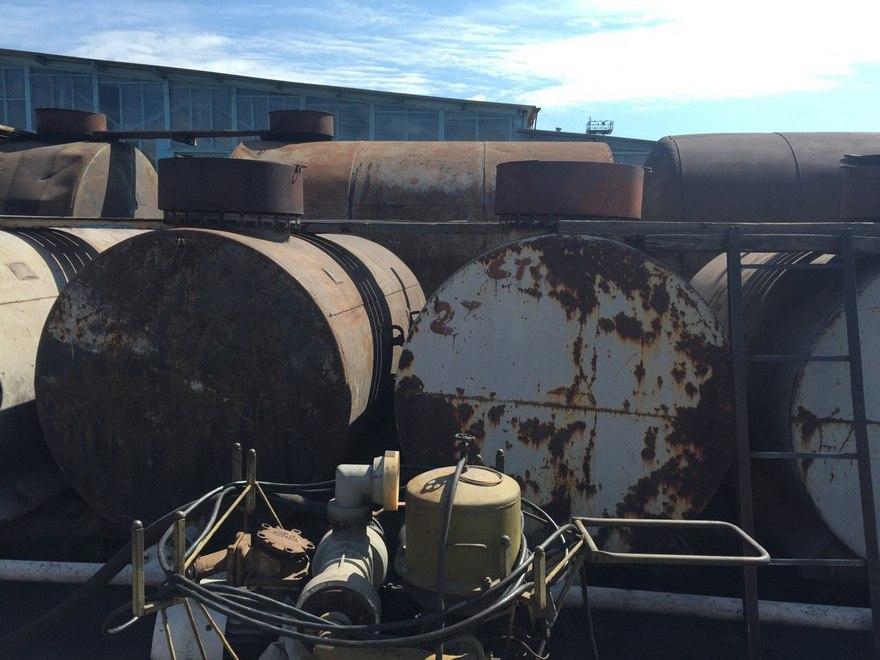 Полицейские обнаружили подпольную нефтебазу (фото)