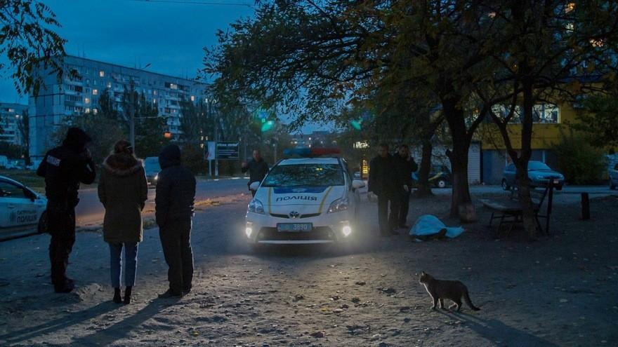В Днепре на Левобережном-3 нашли труп мужчины (фото)