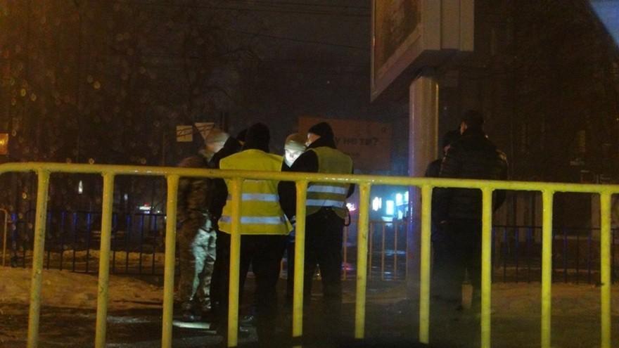 В Днепре пьяный полицейский дрифтовал с человеком на капоте (фото, видео)