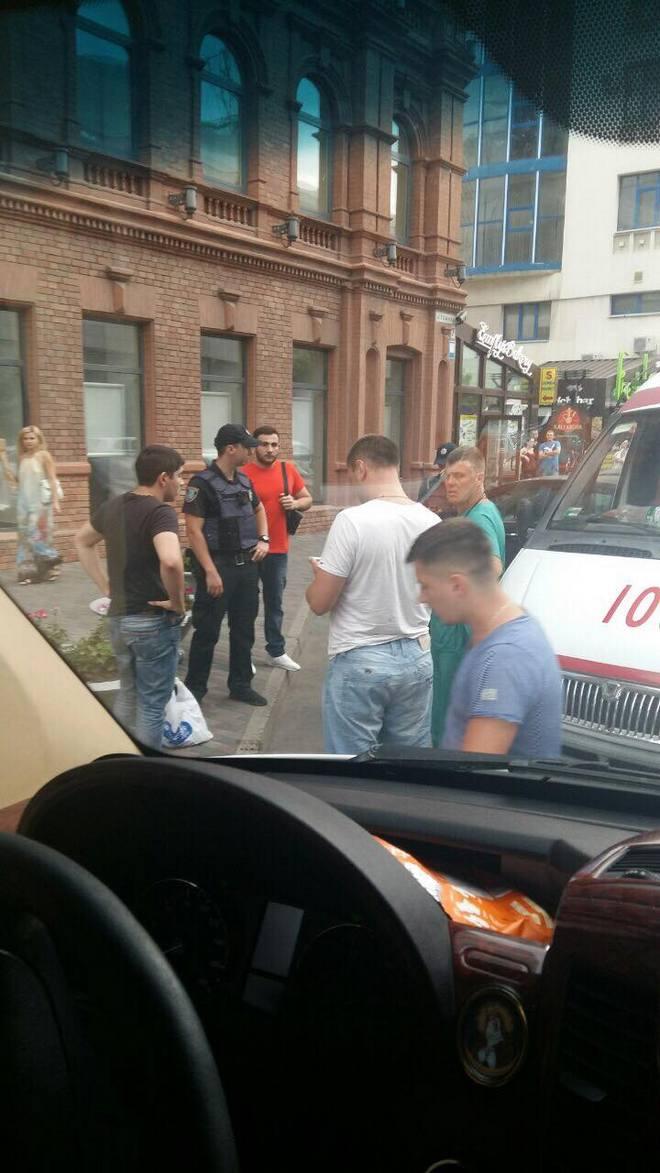 В Днепре в мужа певицы Натальи Валевской стреляли из пистолета (фото)