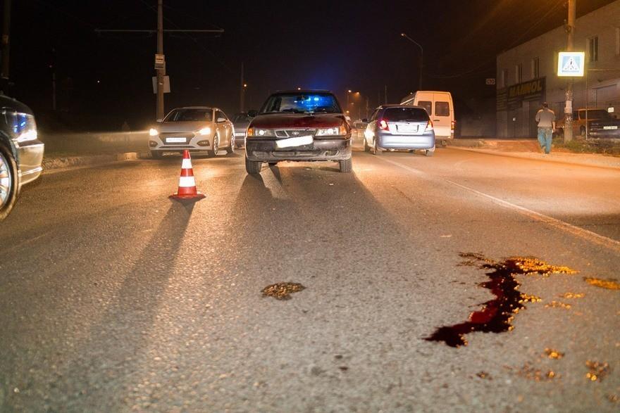 """В Днепре водитель на """"Daewoo"""" сбил дедушку на переходе и протащил несколько метров (фото)"""