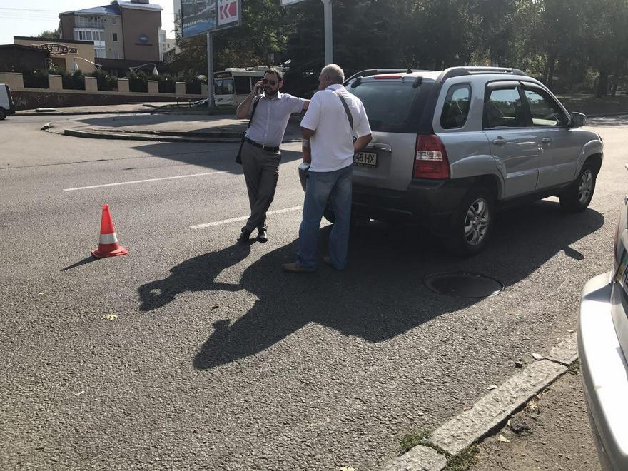 """В Днепре водитель на """"Kia"""" сбил женщину (фото)"""