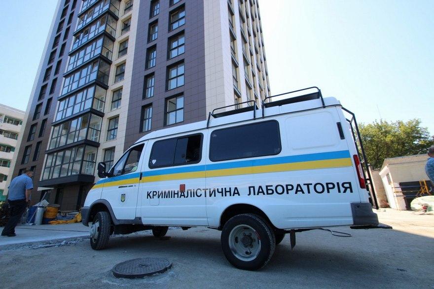 """В Днепре введен план-перехват: возле гостиницы """"Рассвет"""" расстреляли мужчину, еще двое пострадали (фото)"""