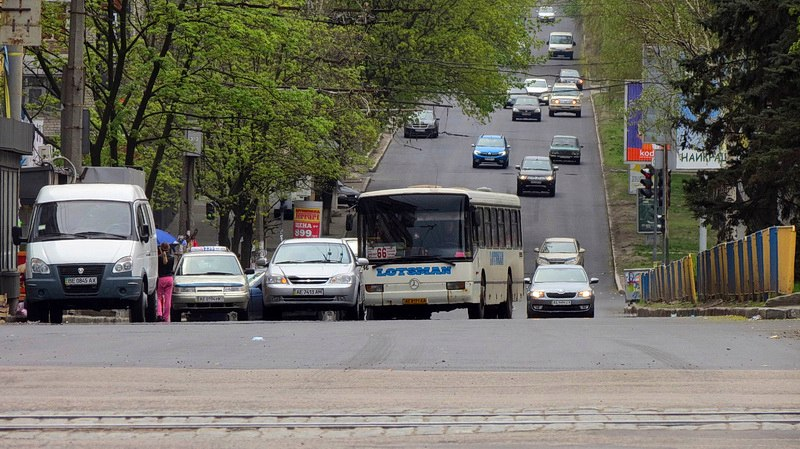 В Днепре за 4 дня отремонтирован проспект Поля (фото)