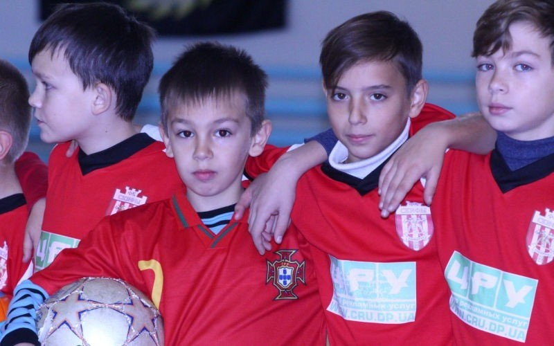 В Павлограде прошли соревнования по мини-футболу в спортзале с высокоэкологичным покрытием (ФОТО)