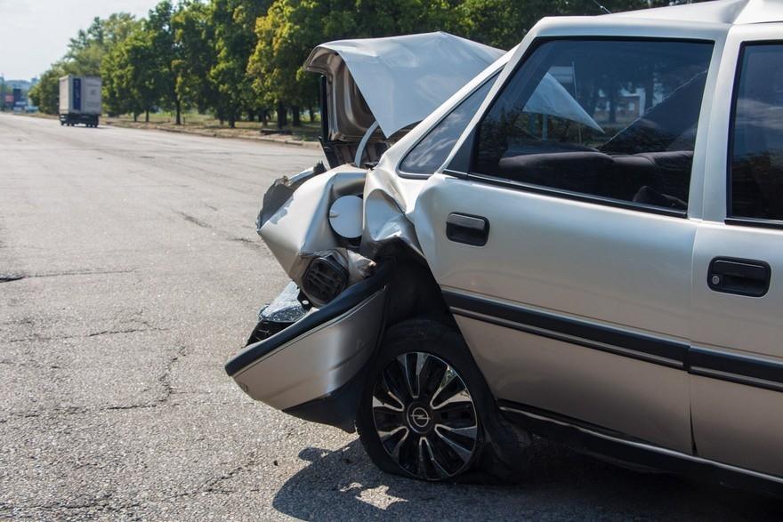 """Жесткое ДТП в Днепре: столкнулись два """"Opel"""", есть пострадавшие (фото)"""