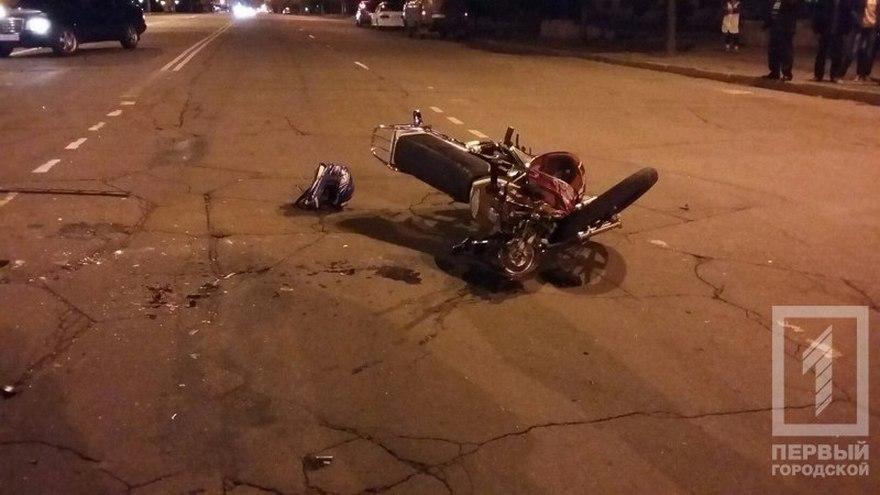 Жуткое ДТП: мотоцикл влетел в микроавтобус (фото)
